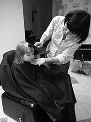 Laste juuksur